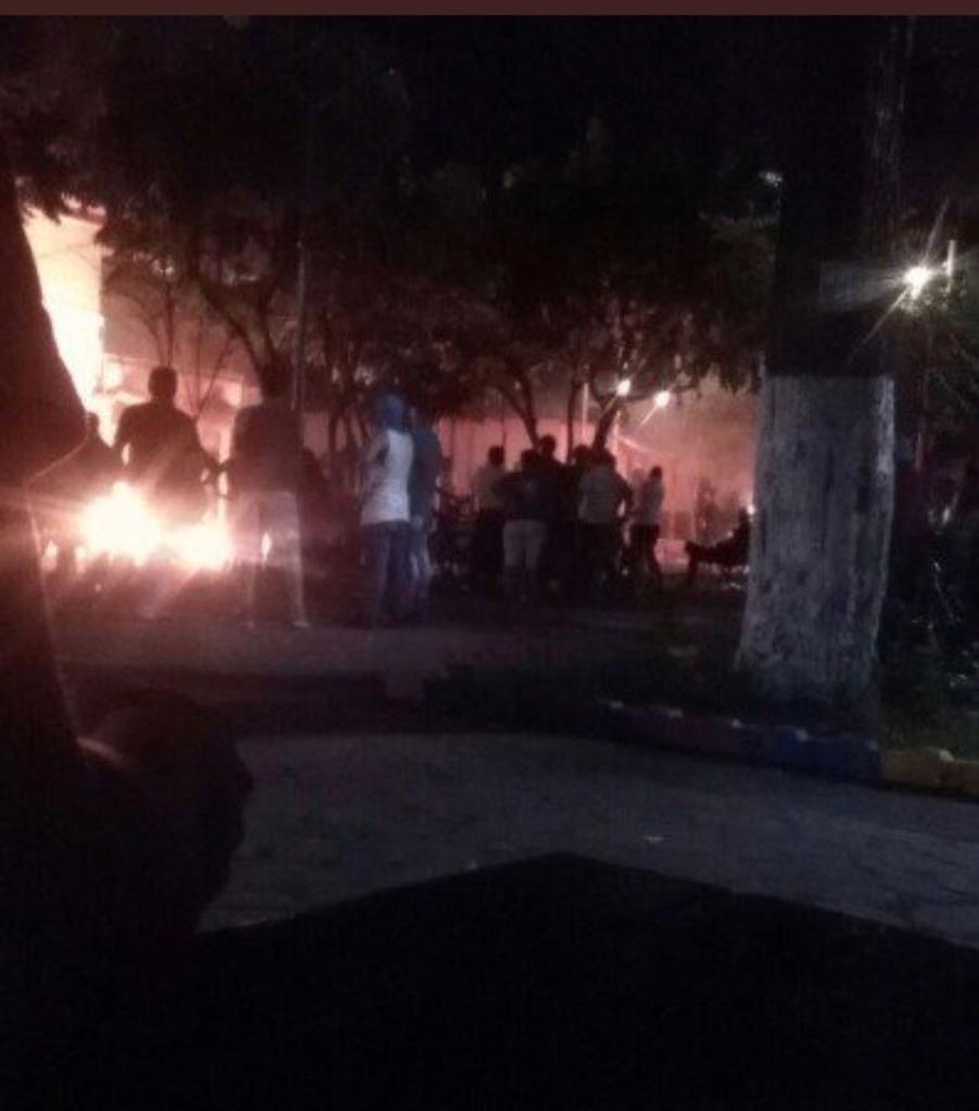 Mara19 incendian los juzgados de familia en Masaya