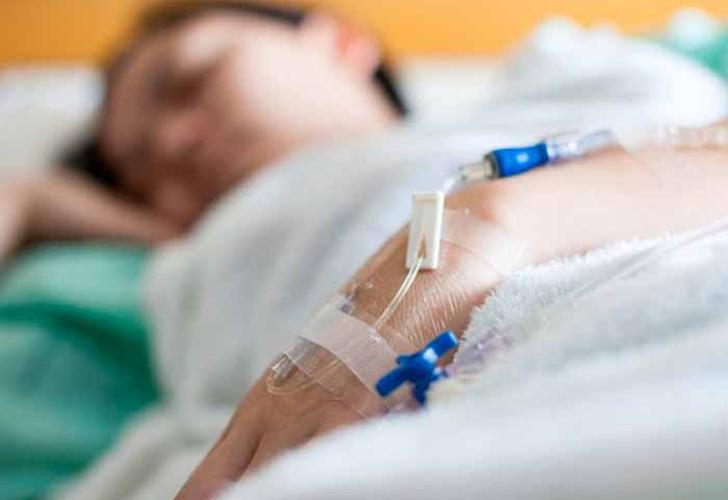Chavala fue llevada al hospital tras ser golpeada por novia despechada en Granada
