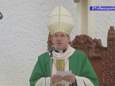 Monseñor Waldemar Stanilaw Sommertag durante su homilía este Domingo en la Catedral de Managua