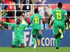 Senegal vence a Polonia