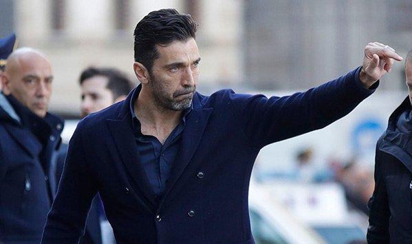 El portero italiano Gianluigi Buffon se encuentra en París, Francia