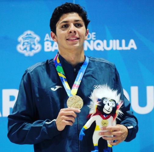 el nadador guatemalteco Luis Carlos Martínez