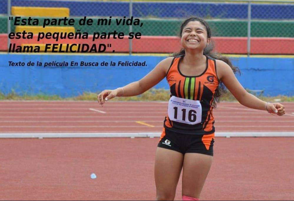 Georgina Obando luego de romper récord nacional Salto con Pertiga. Foto cortesía FNA