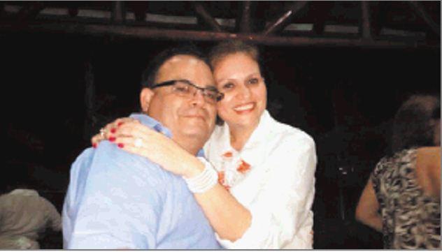 Roberto Emilio Estrada Zamora, de 62 años, junto a su ex esposa Sarybel Abad Urcuyo, de 45