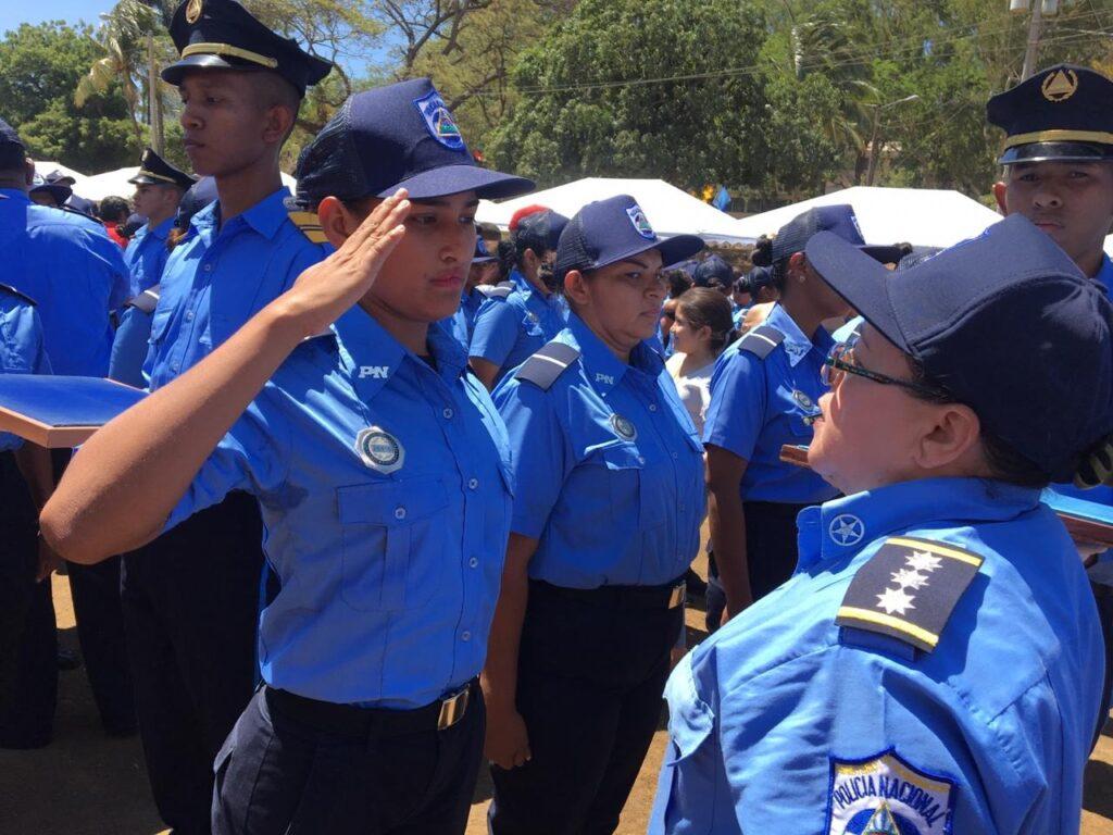 Nicaragua gradúa a nuevos policías