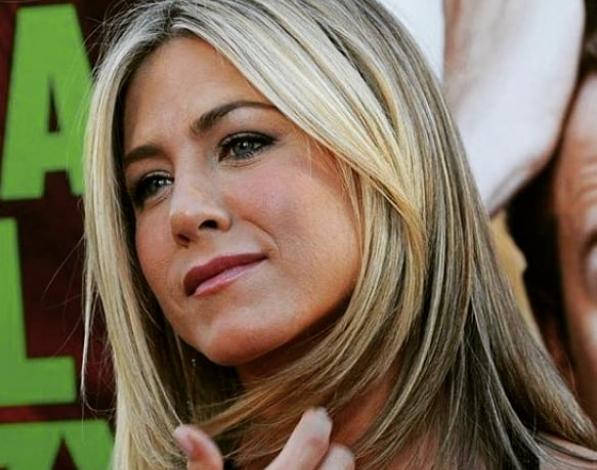Jennifer Aniston Se Desnuda A Los 50 Años