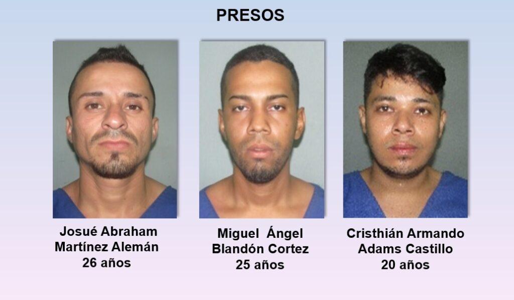 Los detenidos Josué Abraham Martínez Alemán, Miguel Ángel Blandón Cortez y Cristhian Armando Adams Castillo