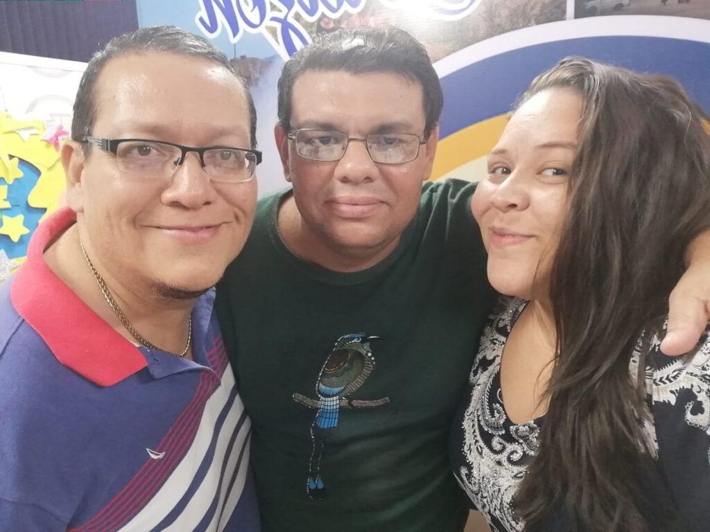 Nuestros compañeros Hugo Flores, Milton Talavera y Cristhian Medina