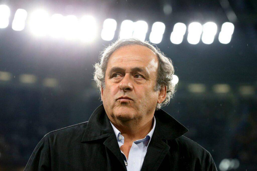 Michel Platini fue detenido tras la investigación por corrupción, se le adjudica actos de soborno activo y pasivo en la elección de Qatar como Mundial del año 2022.