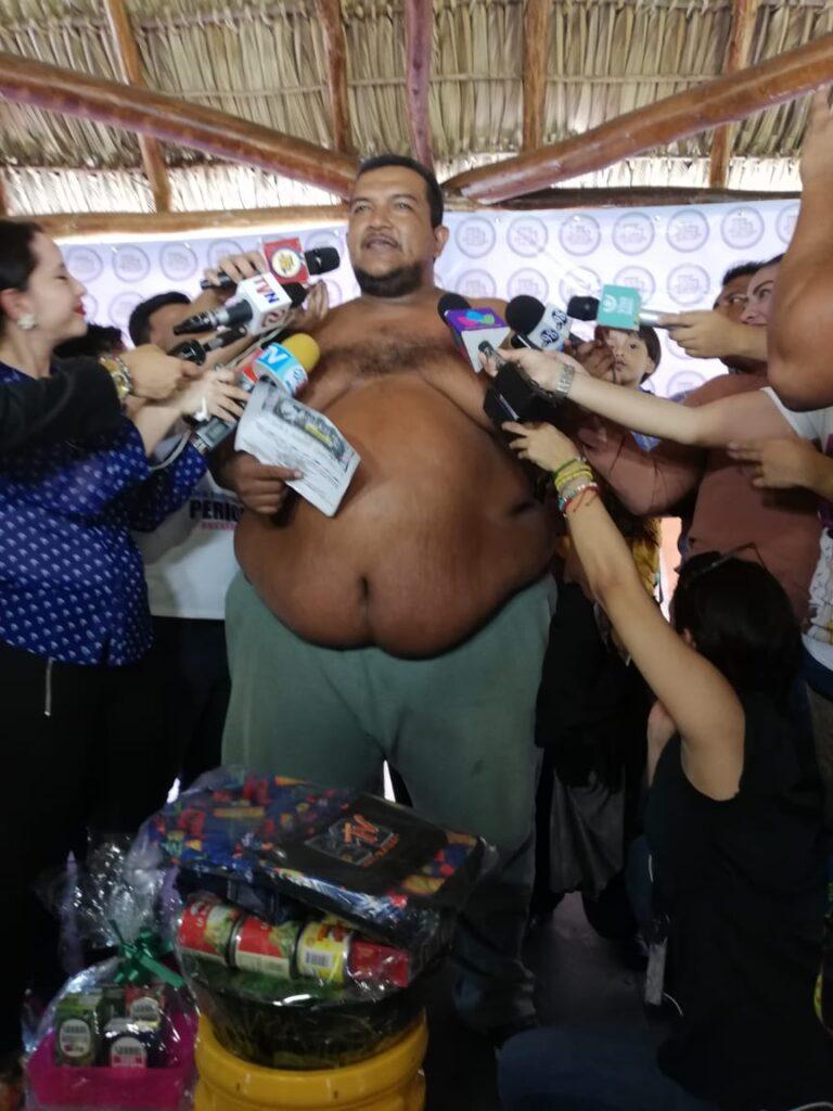 Rolando Javier Mena Salablanca, ganador del papá panzón. jpg