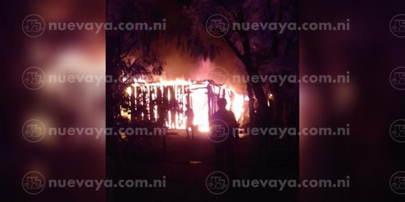 Las llamas devoraron la humilde vivienda de un reparador de bicicletas en Potosí, Rivas