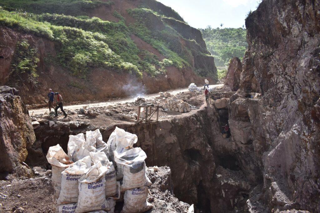 En un lugar como este falleció un minero artesanal en Bonanza. Foto Cortesía