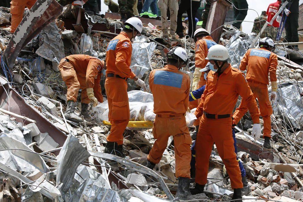 A 18 subió el número de muertos por el derrumbe de un edificio en Camboya