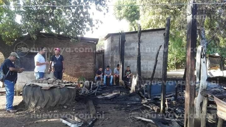 Gracias al apoyo del gobierno sandinista le reconstruirán la vivienda a la familia afectada