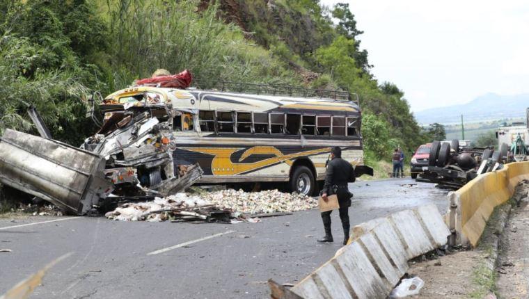 Accidente cobra la vida de tres personas en El Salvador