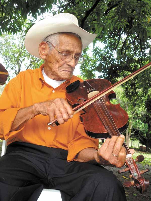 Adán Hernández