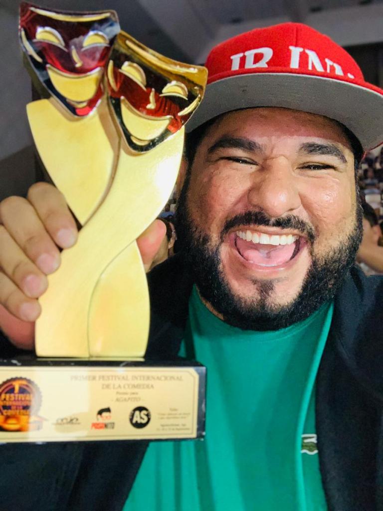 JR ganó un premio en el Primer Festival Internacional en México