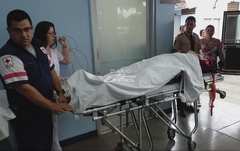 Madre e hijo nicas resultaron lesionados en Costa Rica. Foto cortesía Diario Extra
