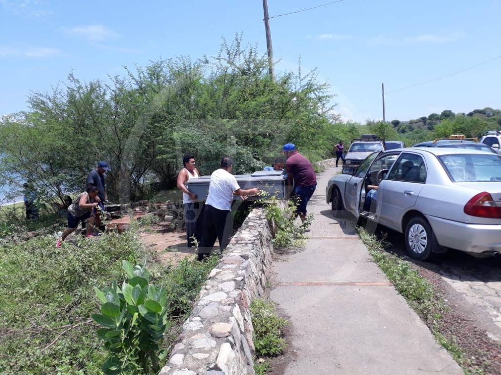 El cuerpo de Darlin Marisol Gadea, 13 años, es trasladada a su casa de habitación en Ciudad Sandino