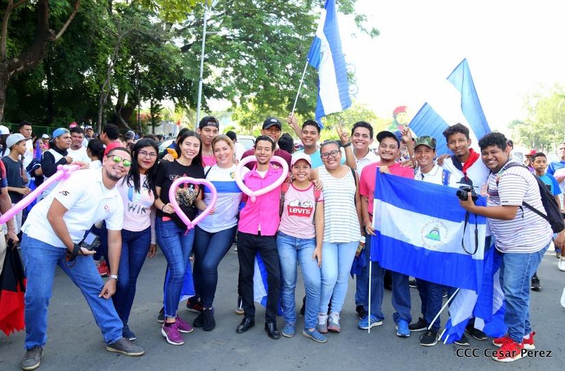 caminata en solidaridad con pacientes que padecen cáncer de mama