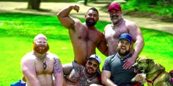 Los 5 miembros de la secta sexual. El primero abajo (derecha) es el joven fallecido