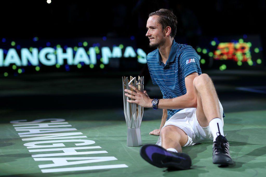Daniil Medvedev aplastó a Alexander Zverev y se quedó con el Masters 1.000 de Shanghai