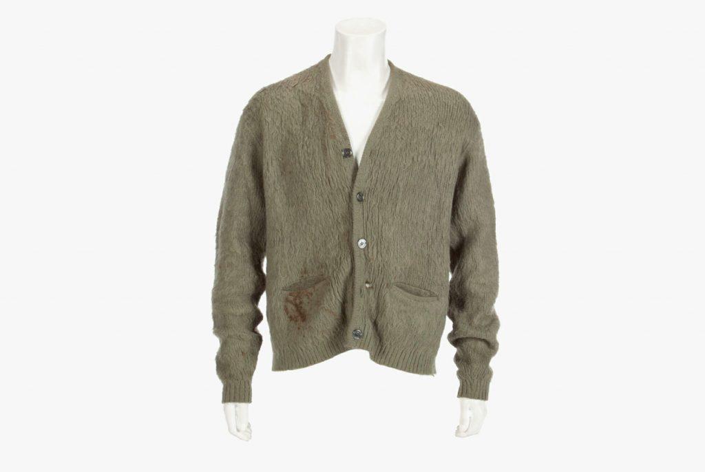 Subastan suéter de Kurt Cobain