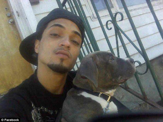 Michael González murió tras ser rociado con gasolina y prendido en llamas mientras dormía en un sofá