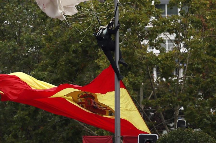 Paracaidista se estrella en España