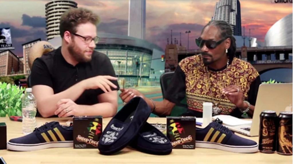 Seth Rogen y Snoop Dogg en el programa The Howard Stern Show