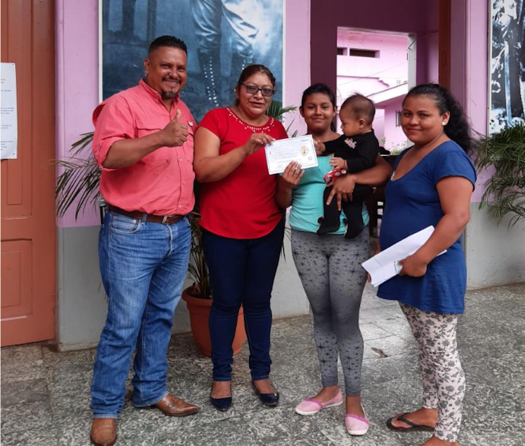 Restituyen derecho a la identidad a una joven de Masatepe - La Nueva Radio YA