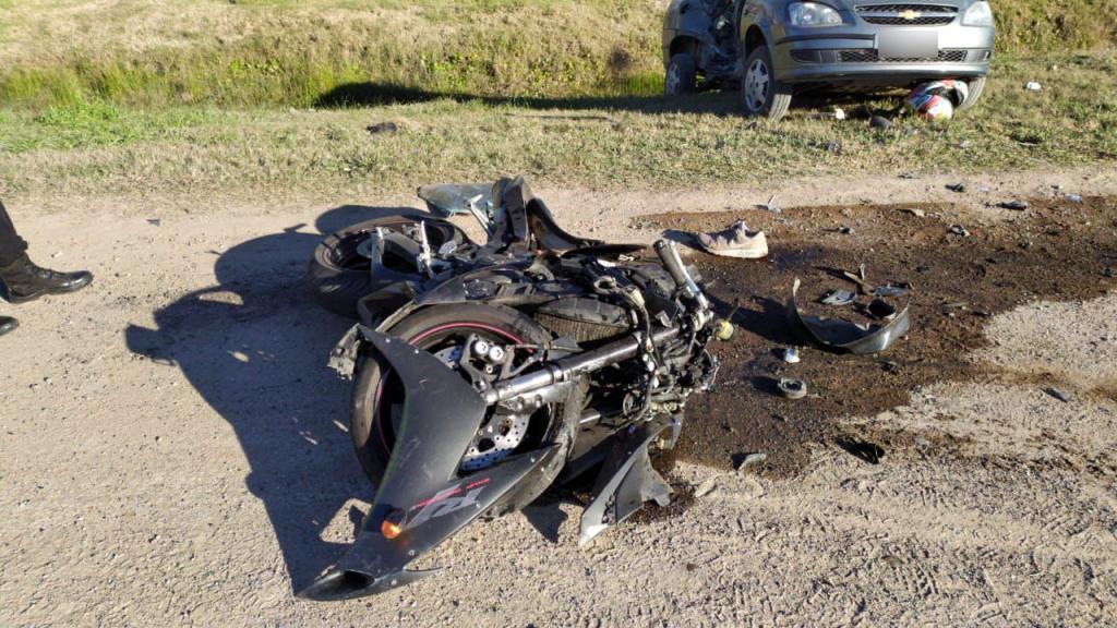"""Motociclista """"vuela"""" por los aires tras impactar contra un vehículo en Jinotepe - Radio YA"""