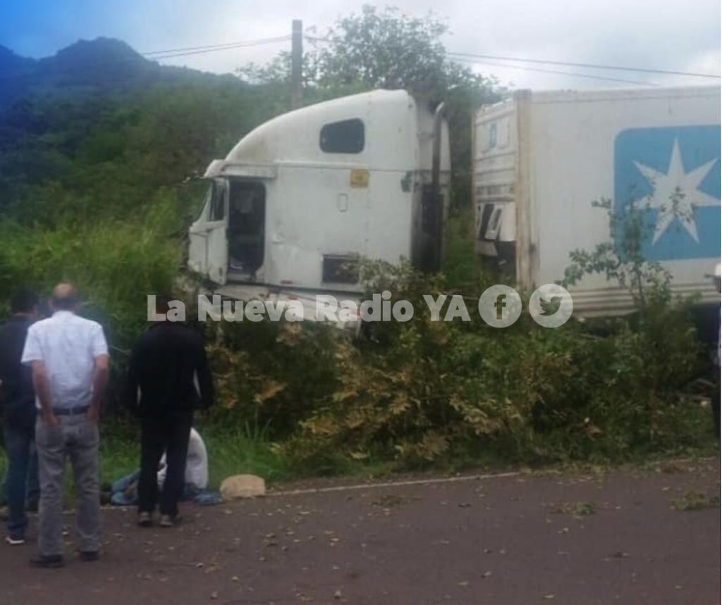 Furgonero pierde el control en la cuesta La Kukamonga, de Estelí - Radio YA