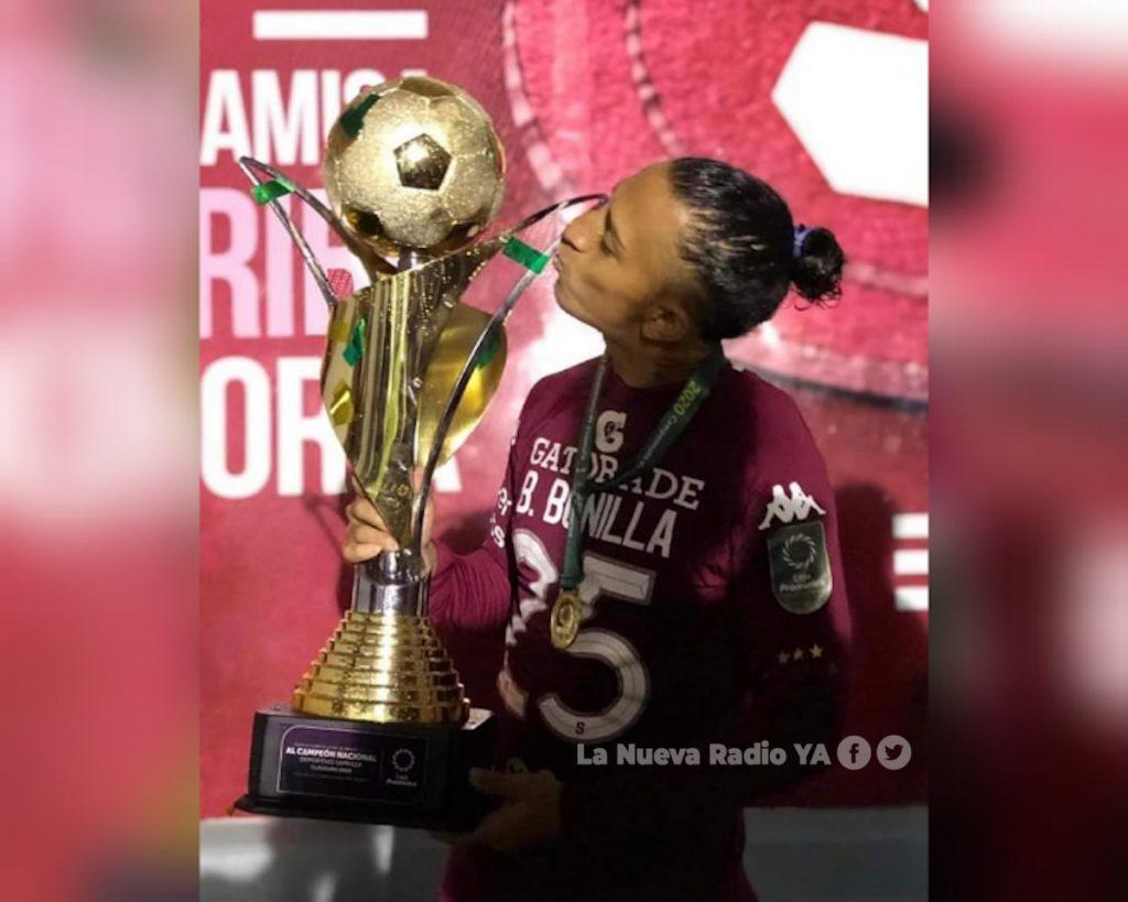 Byron Bonilla primer nicaragüense campeón en el fútbol tico