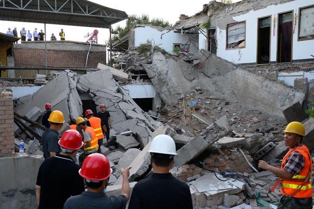 29 personas murieron al derrumbarse un restaurante en China