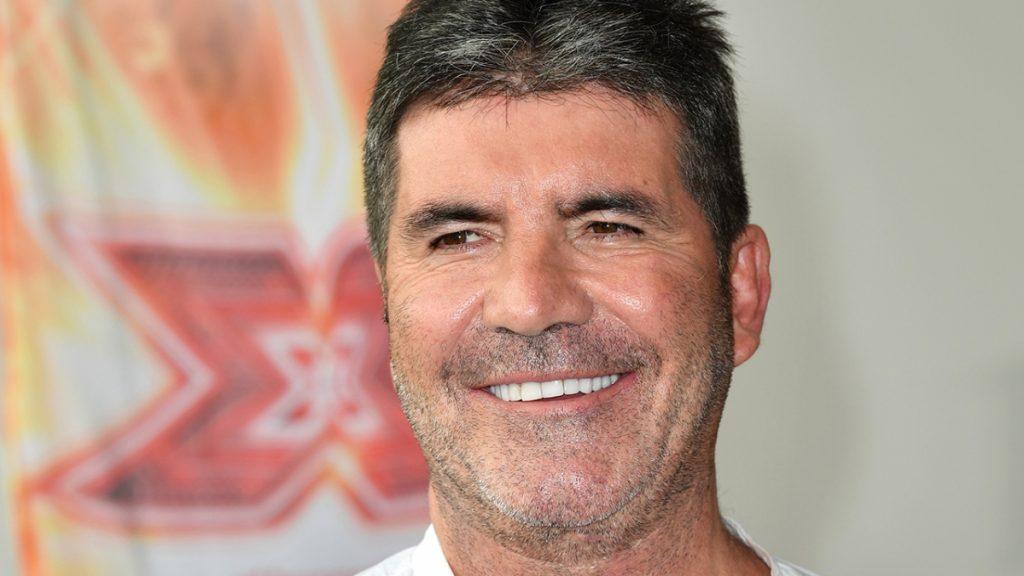 Simon Cowell se fracturó la espalda