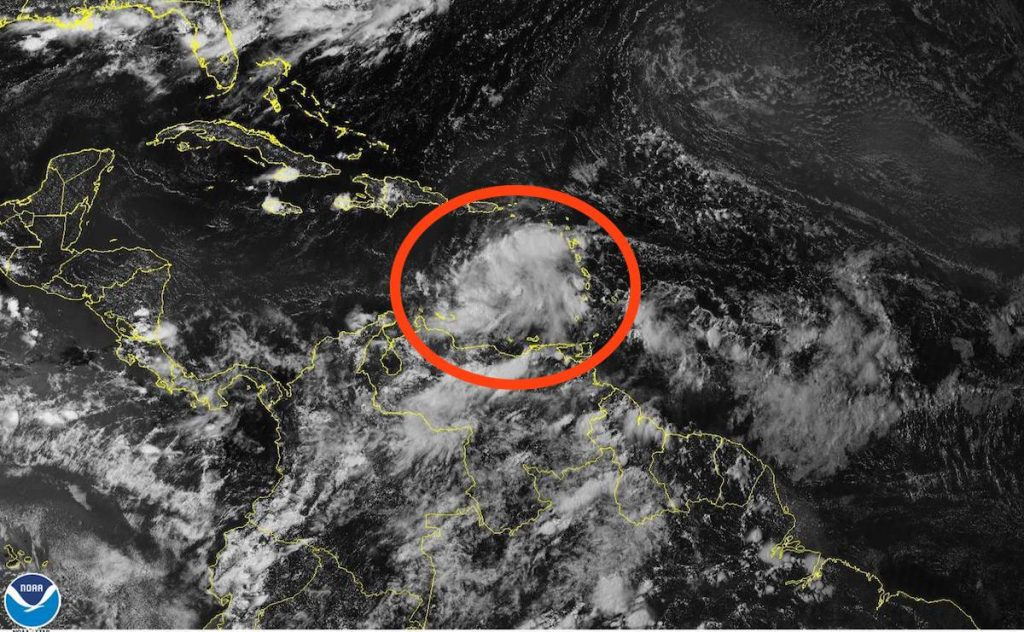 Imagen de Satélite de la NOAA, sobre la Onda Tropical en El Caribe