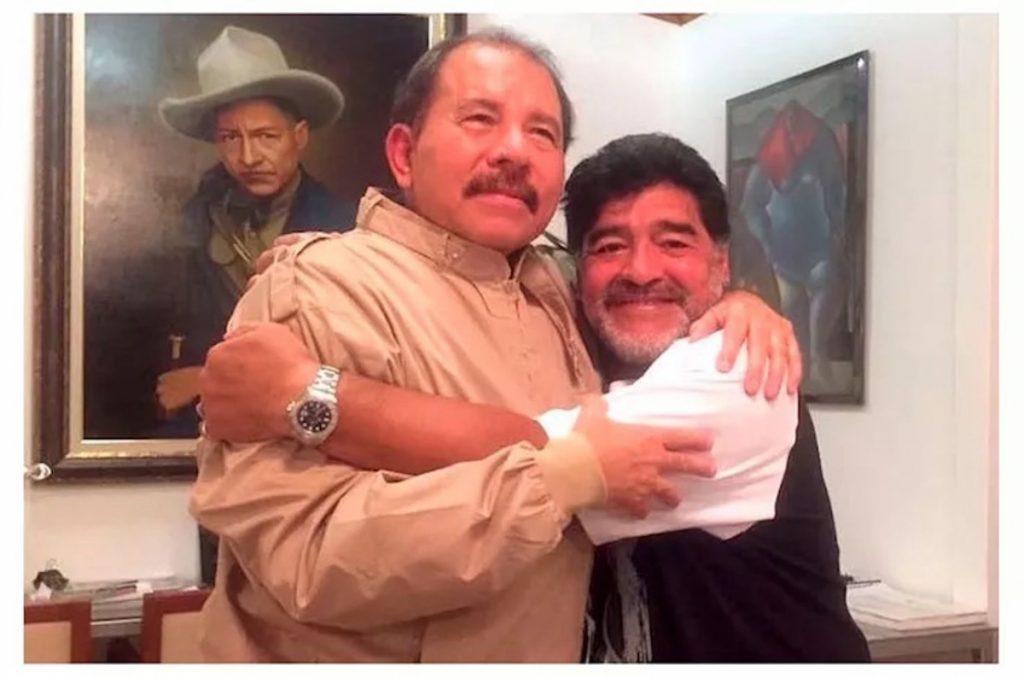 Comandante Daniel y Diego Armando Maradona