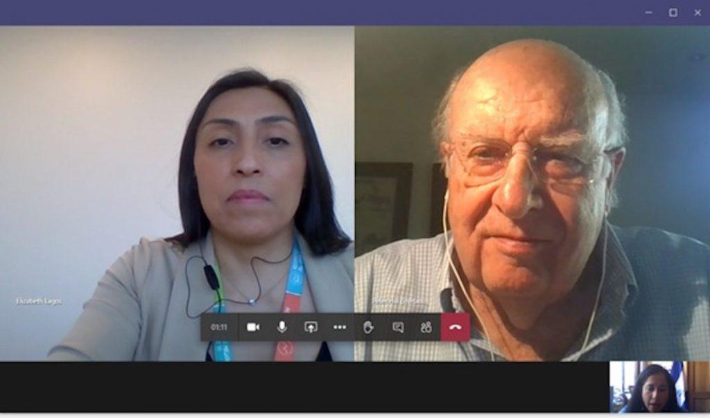 Elizabeth Lagos, Sub-Gerente de Asuntos Internacionales de la CCS; Peter Hill, Presidente de la Cámara de Comercio de Santiago