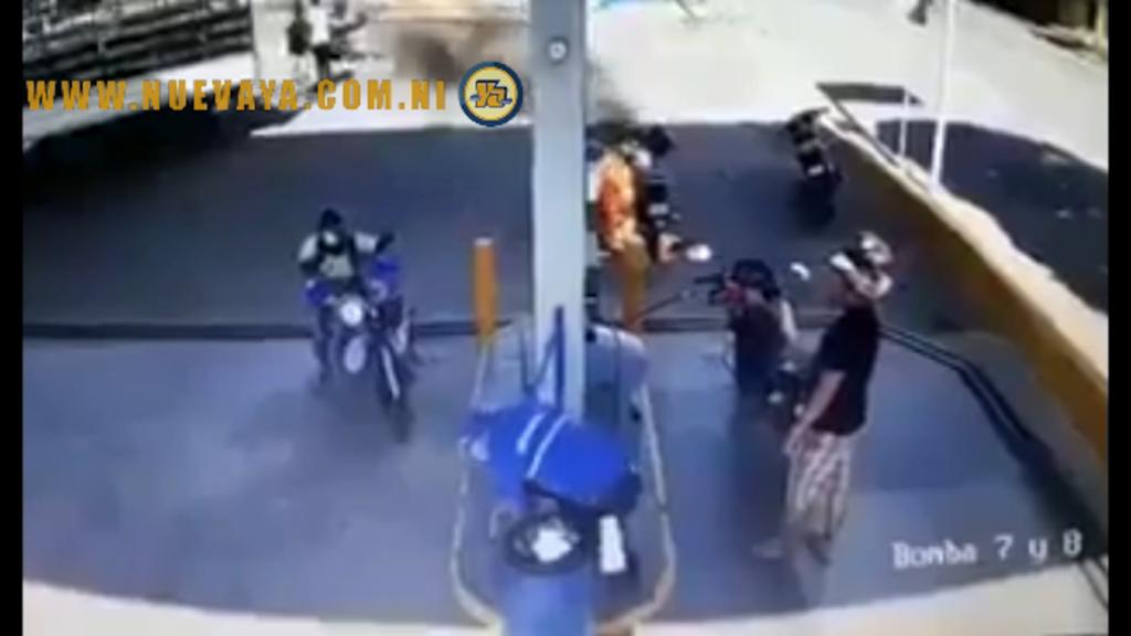 Una motocicleta se incendió este domingo en una gasolinera de Rivas