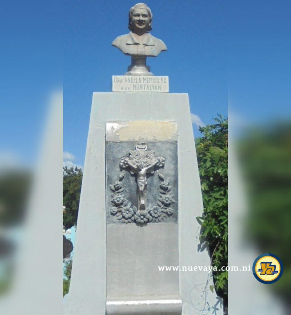 Busto de doña Ángela Membreño Viuda de Montalván