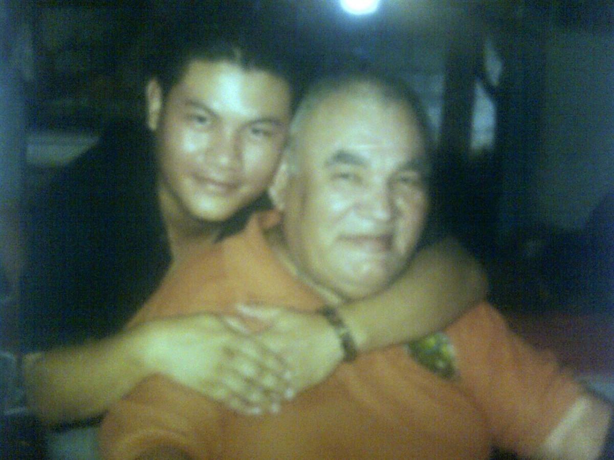 Otoniel Flores Wong y su papá Tun Tun (QEPD)