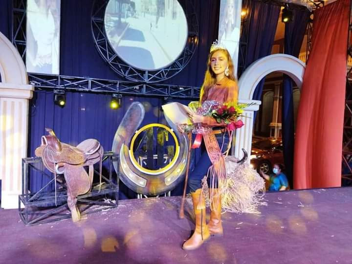 Señorita Dalinska Urbina Reyna Fiestas Patronales Agostina 2021