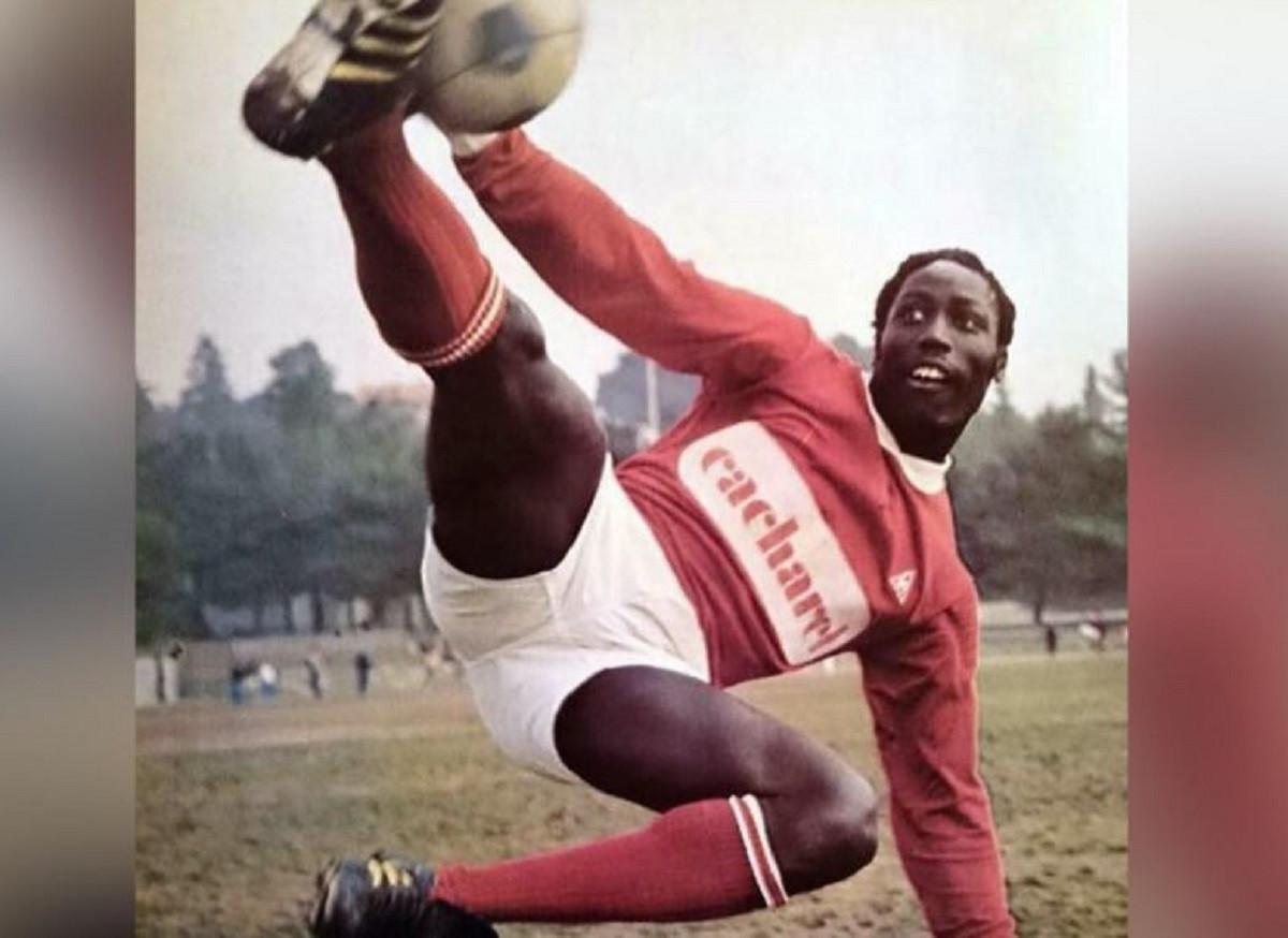 Muere futbolista francés después de 39 años de permanecer en coma