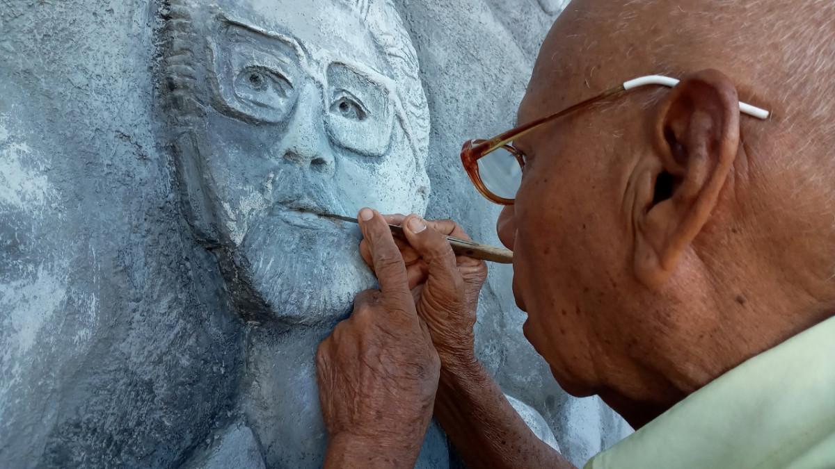 El pintor y escultor nicaragüense Arnoldo Guillén